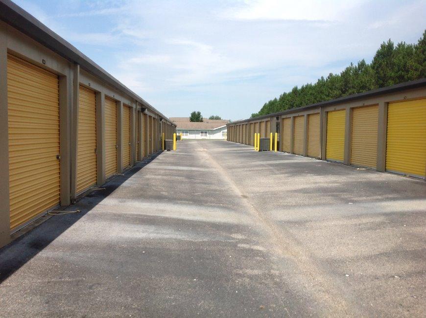 Storage units in Pensacola near Milestone - Life Storage Facility #353