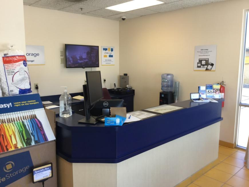 ... Life Storage Office At 1375 Commerce Road In Morrow ...