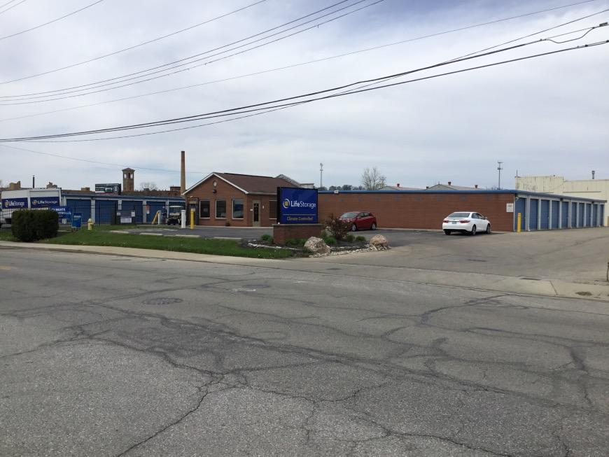 Filter Results. Storage Units & Storage Units at 2950 Robertson Ave - Cincinnati - Life Storage #366