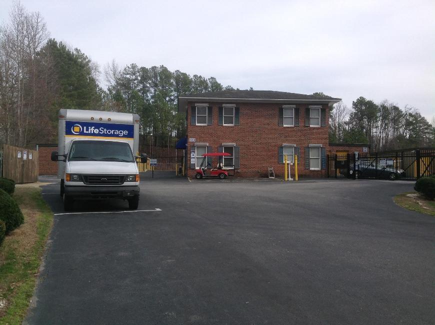 nearby storage facilities. Life Storage 368 Nearby Facilities