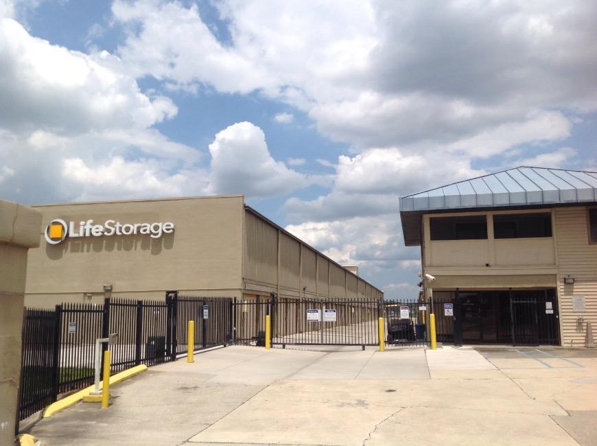 Office u0026 Access Hours for Life Storage #37 Orlando & Storage Units at 11955 S Orange Blossom Trl - Orlando - Life Storage ...
