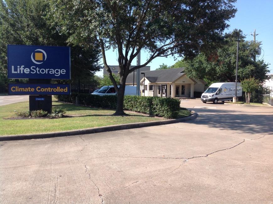 Office u0026 Access Hours for Life Storage #389 Houston & Storage Units at 7835 W Sam Houston Pkwy N - Houston - Life Storage #389