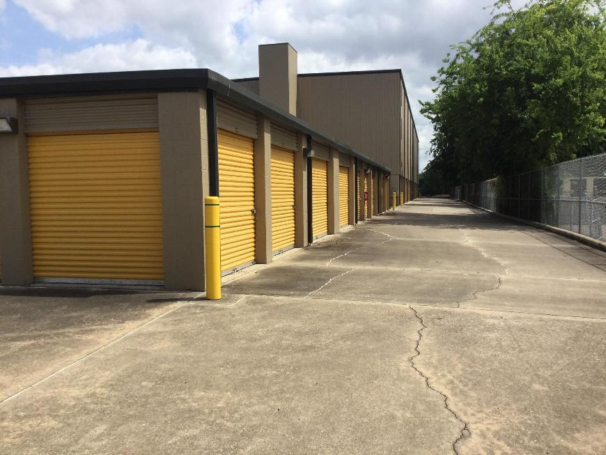 Life storage in houston tx near jersey village rent for Storage 77080