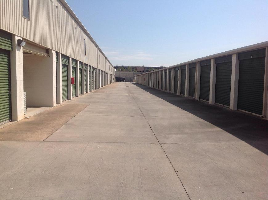 Life storage in houston tx near energy corridor rent for Storage 77080