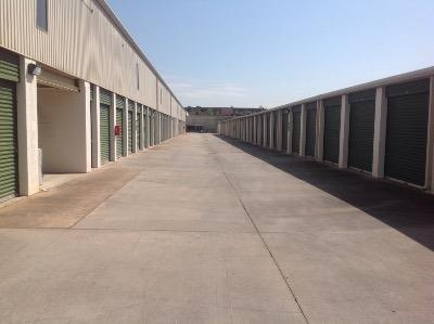 Storage Units for rent at Life Storage at 1435 Silverado Drive in Houston