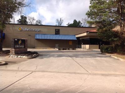 Life Storage Buildings at 4455 Panther Creek Pne in The Woodlands