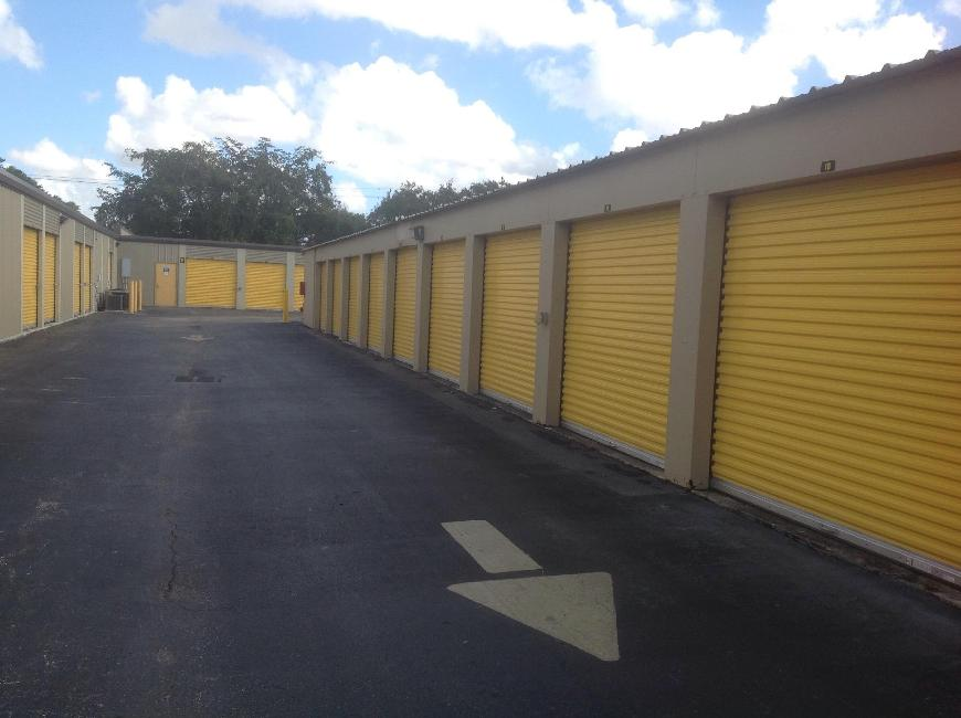 Storage Units For At Life 10300 Nw 55th St In Sunrise