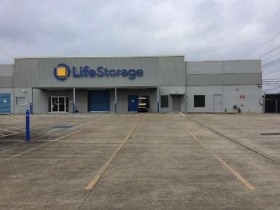 Life Storage Buildings at 900 NASA Pkwy in Webster