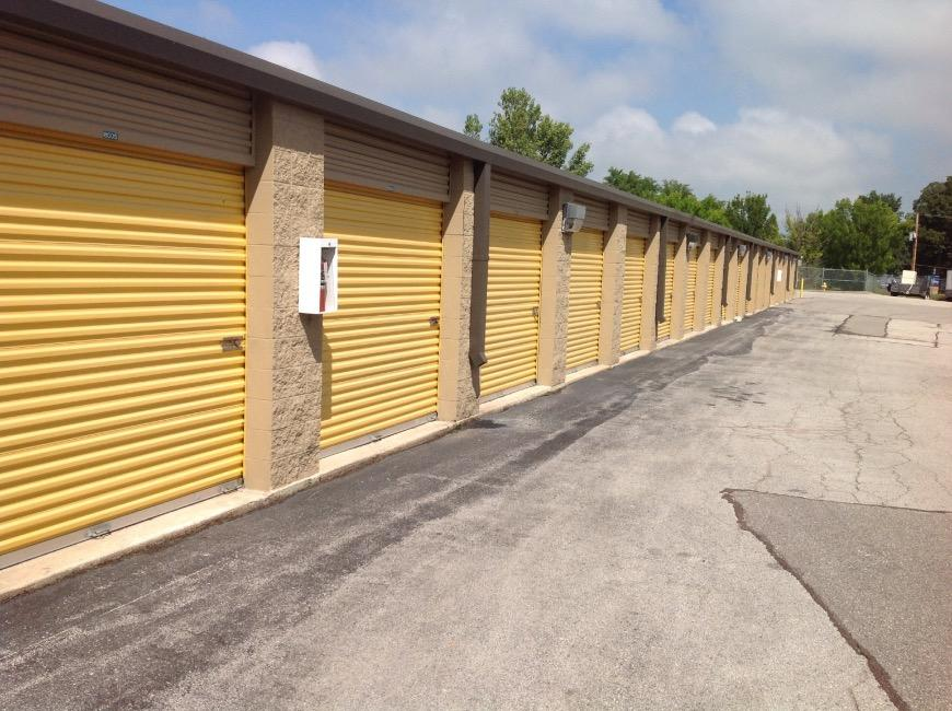 storage units st peters mo