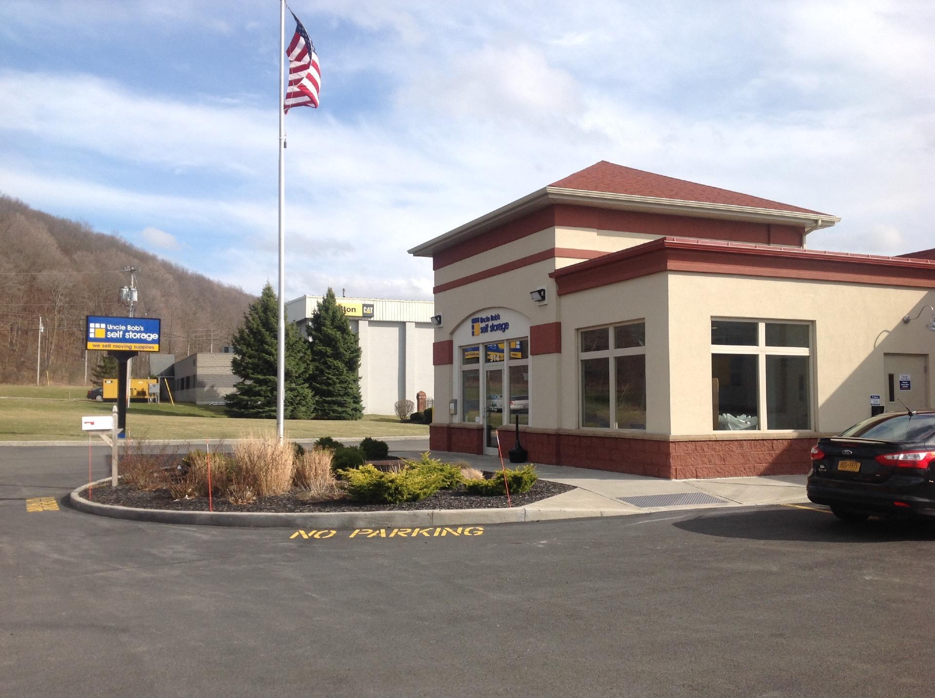 Life Storage near Lakefront, Syracuse NY   Rent Storage Units (242)