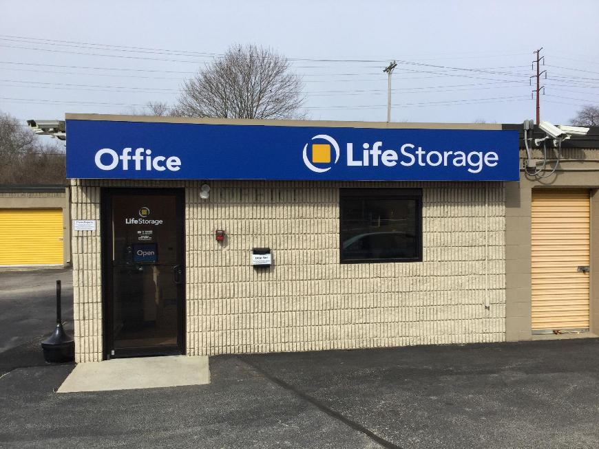 Storage Buildings At Life 500 Frenchtown Rd In E Greenwich