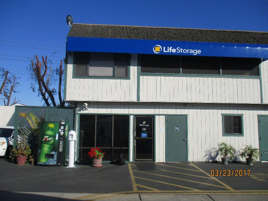 Storage Buildings At Life 10025 Muirlands Blvd In Irvine