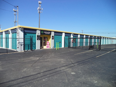 Life Storage Buildings at 506 McNeil Rd in Round Rock