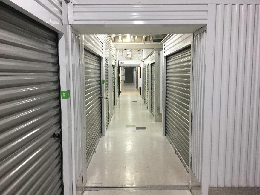 Storage Units For At Life 2361 S State St In Chicago