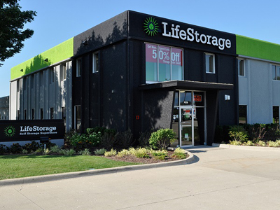 Life Storage Buildings at 426 S Westgate St in Addison