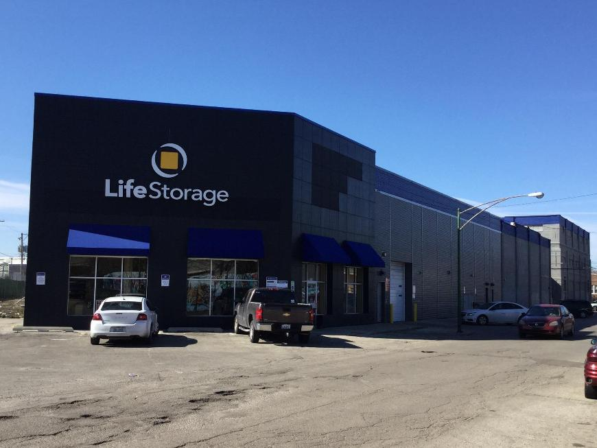 Storage Buildings At Life 3245 W 30th St In Chicago