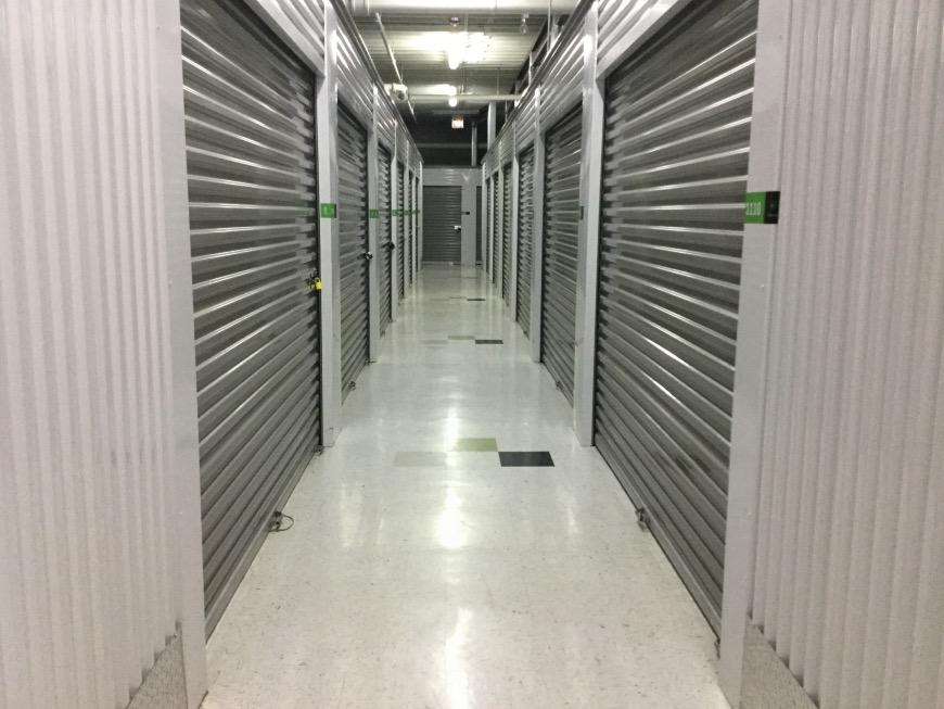 Storage Units For At Life 3245 W 30th St In Chicago