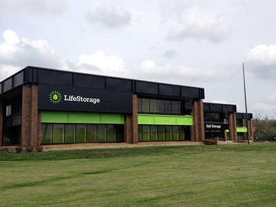 Life Storage Buildings at 1205 Milwaukee Ave in Glenview