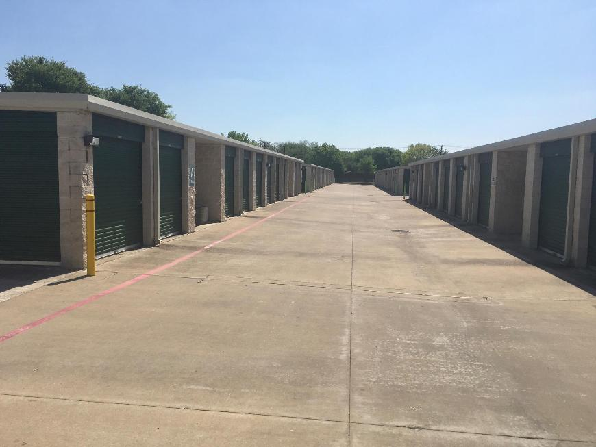 Storage Units For At Life 500 Buckingham Rd In Richardson