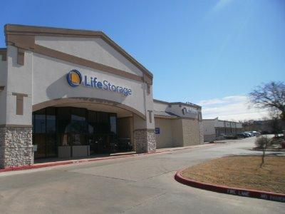 Life Storage Buildings at 4255 S Bowen Rd in Arlington