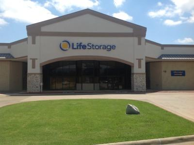 Storage buildings at Life Storage at 4255 S Bowen Rd in Arlington