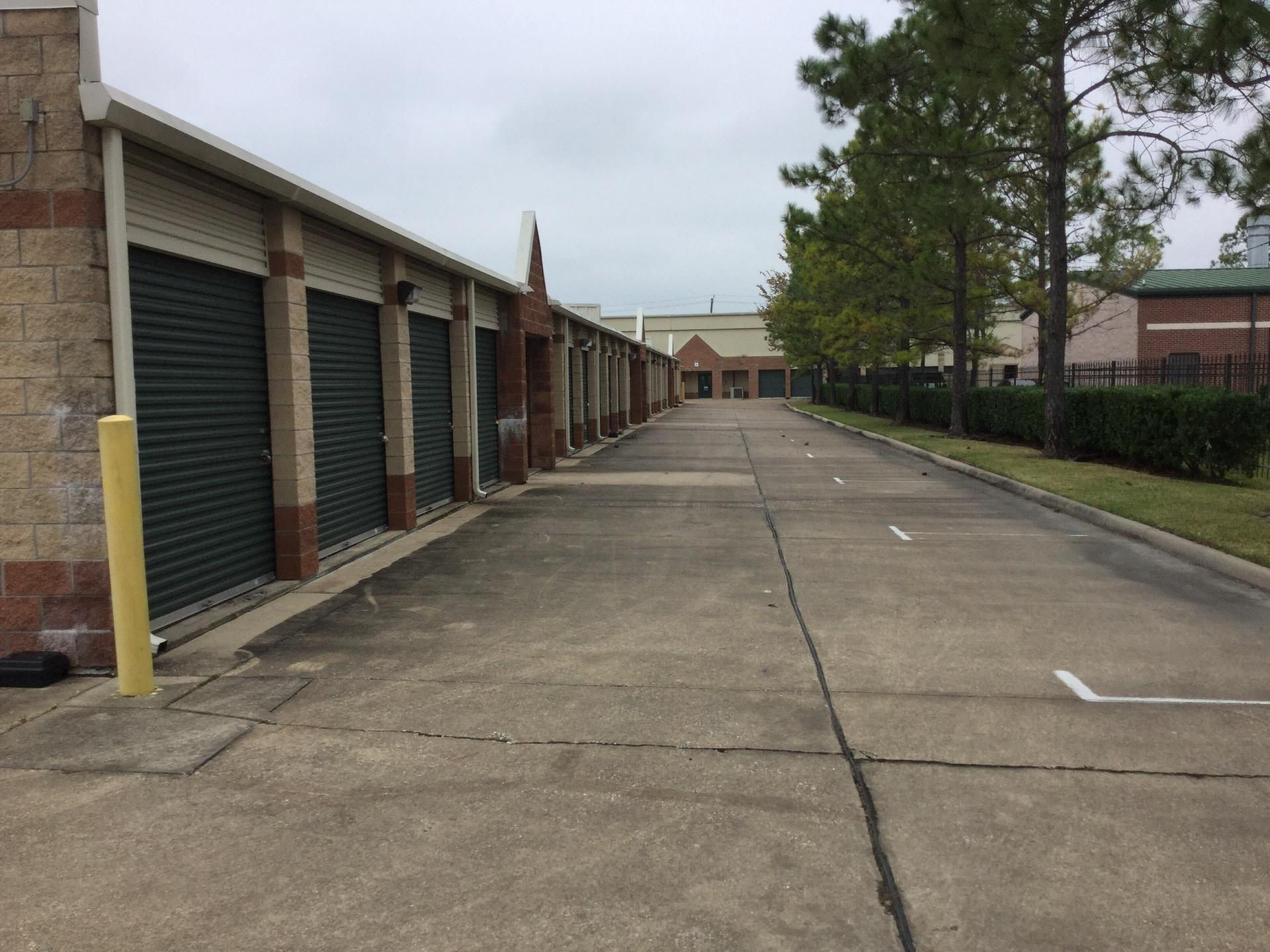 Life storage near ellington field houston tx rent for Storage 77080