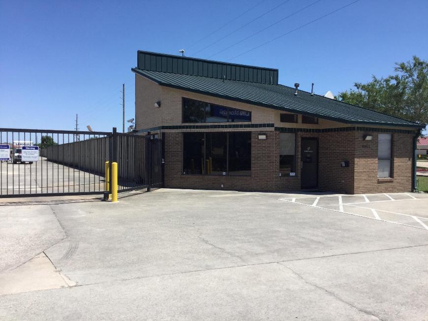 Storage Buildings At Life 8902 Jones Rd In Houston