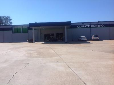 Life Storage Buildings at 5491 Plaza Dr. in Flowood