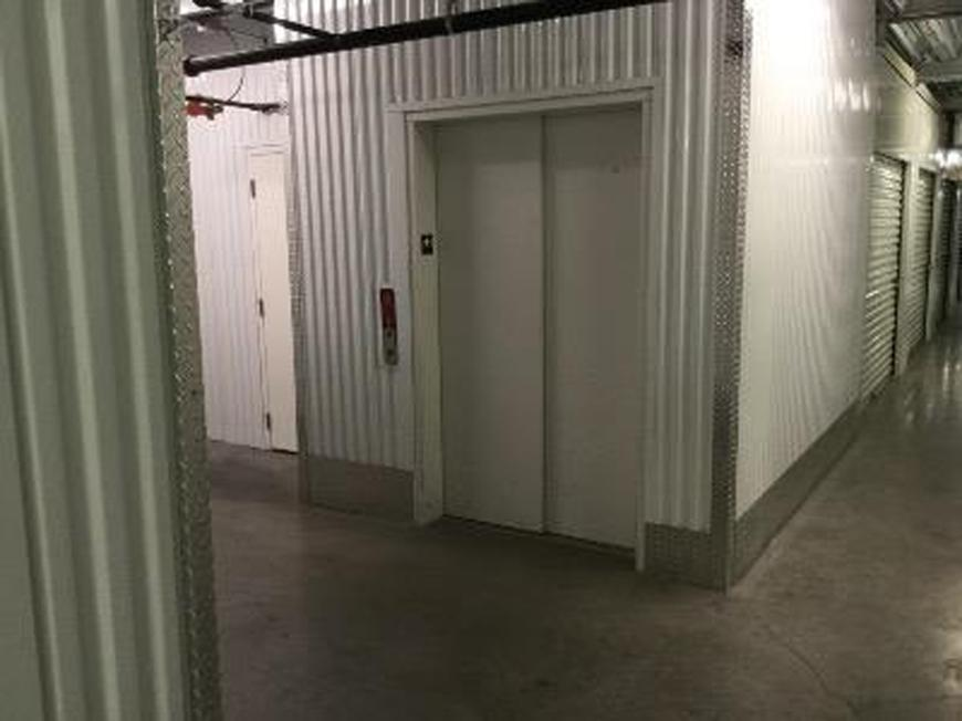 life storage in las vegas nv near rhodes ranch rent storage units 588. Black Bedroom Furniture Sets. Home Design Ideas