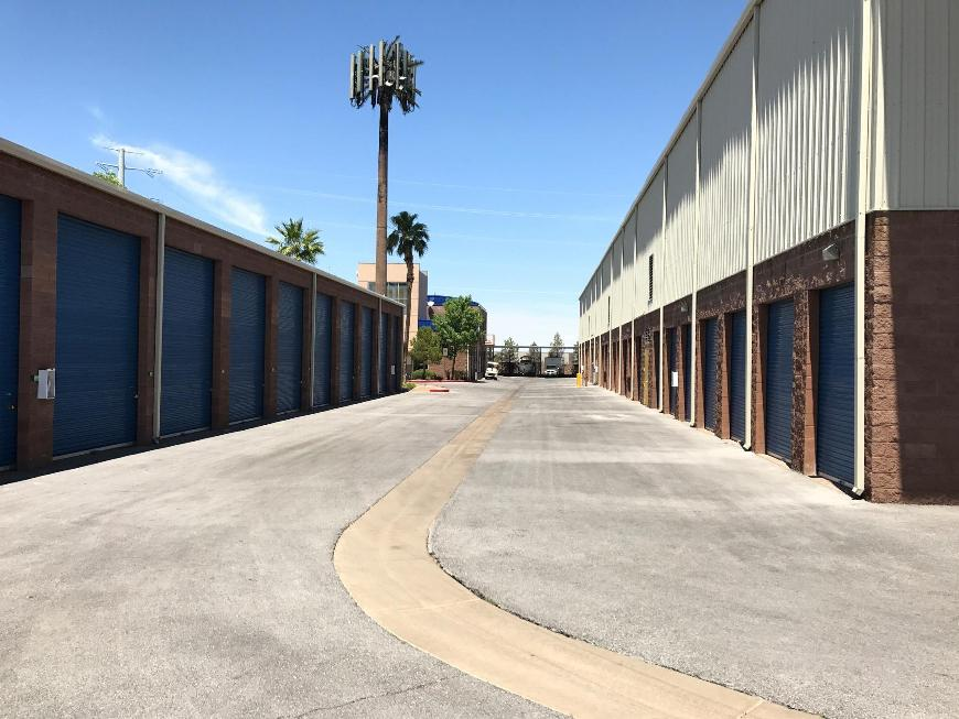 Storage Units For At Life 318 N Boulder Hwy In Henderson