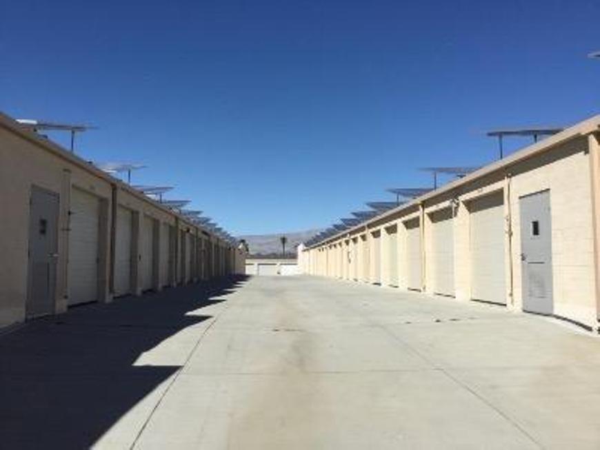 Self Storage Units Near Palm Desert   40050 Harris Ln   Life Storage #606