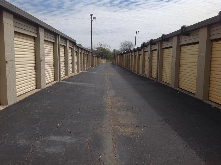 Storage Units For At Life 2895 Vaughn Plaza Road In Montgomery