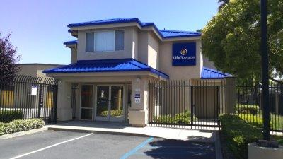 Exterior image of facility at 1855 Las Plumas Ave, San Jose, CA 95133