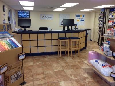 Life Storage office at 3690 Leharps Dr in Austintown