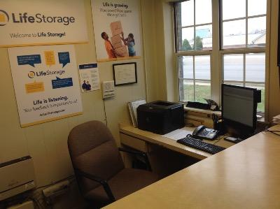 Life Storage office at 5215 Dixie Hwy. in Louisville