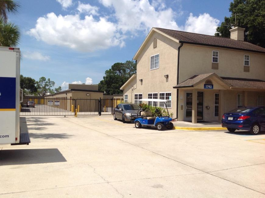 Storage Buildings At Life 1792 W Hillsborough Ave In Tampa