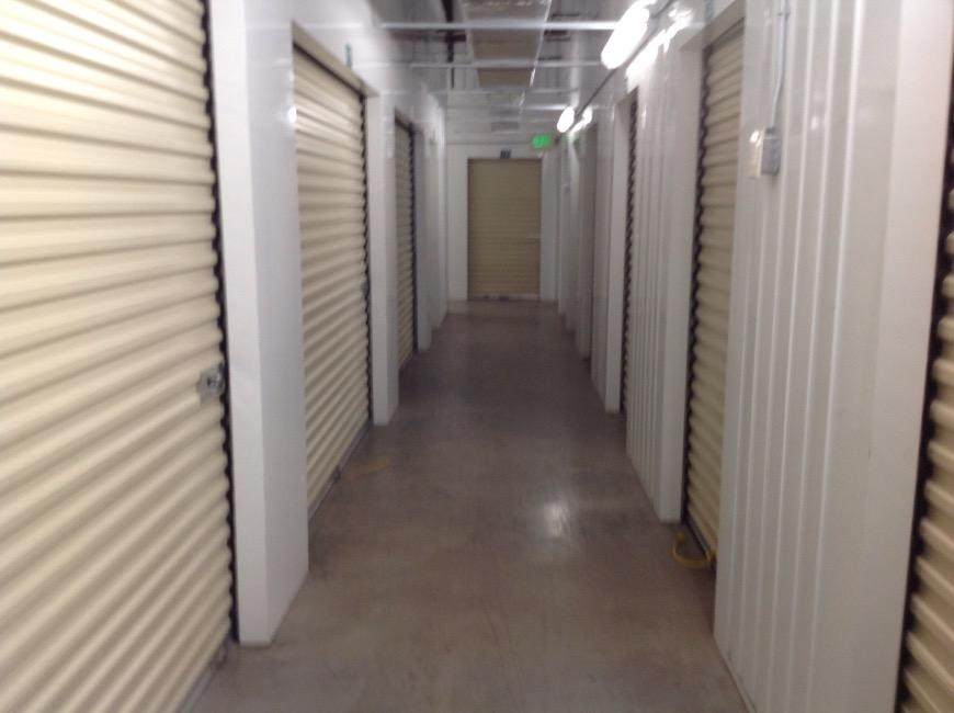 Storage Units For At Life 1792 W Hillsborough Ave In Tampa