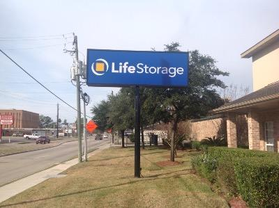 Life Storage Buildings at 8726 Long Point Rd in Houston