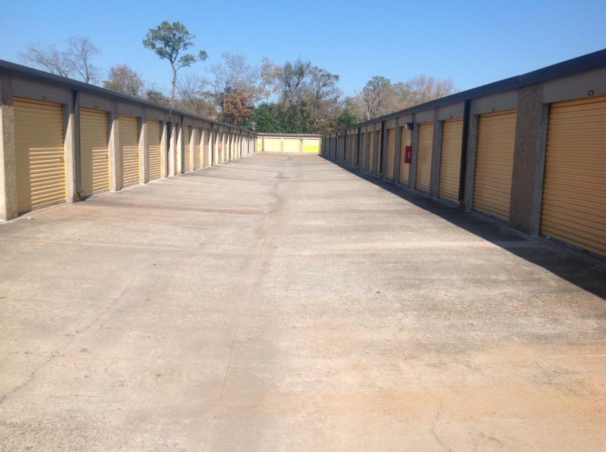 Life storage in houston tx near spring branch central for Storage 77080