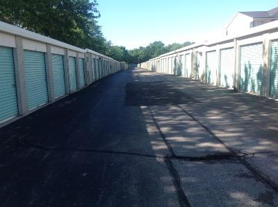 Storage Units for rent at Life Storage at 851 W Henderson Rd in Columbus