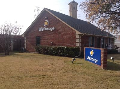 Life Storage Buildings at 585 S MacArthur Blvd in Coppell