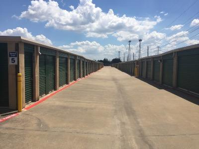 Storage Units for rent at Life Storage at 585 S MacArthur Blvd in Coppell