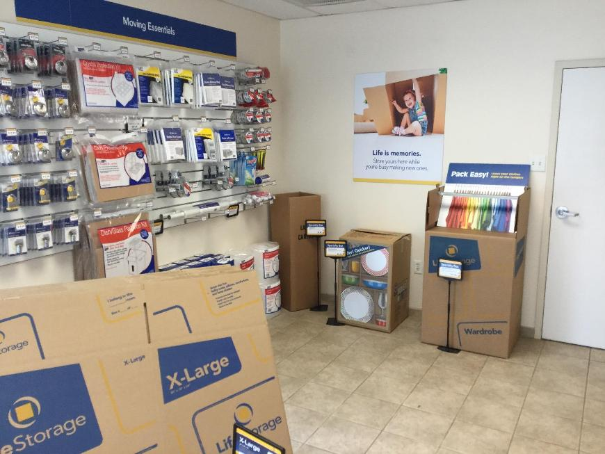 Moving Supplies For At Life Storage 318 S Henderson Road In King Of