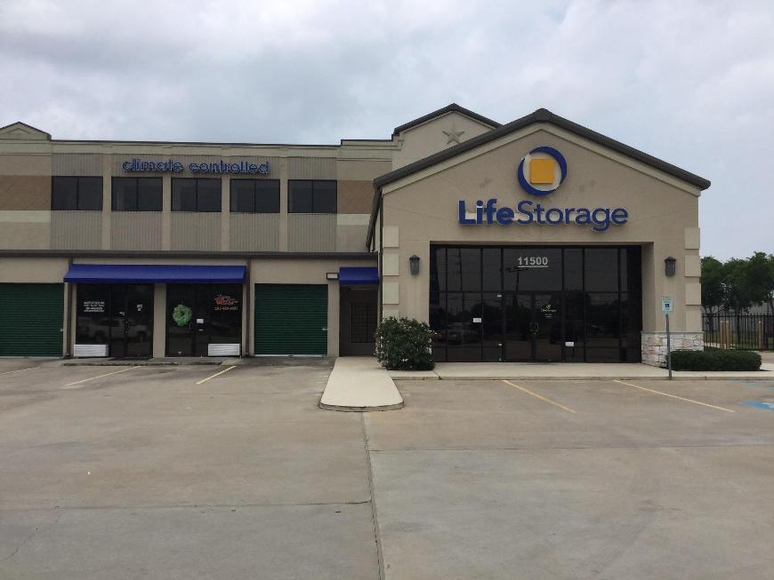 Life storage in houston tx near cypress rent storage for Storage 77080
