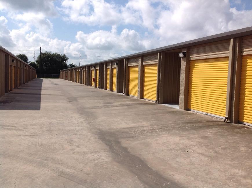 Storage Units For At Life 6333 Spring Cypress Rd In
