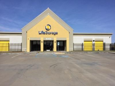 Life Storage Buildings at 8350 S Sam Houston Pkwy E in Houston