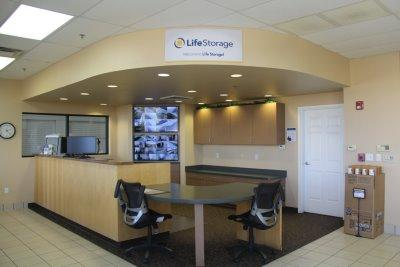 Life Storage office at 34215 N Black Mountain Pkwy in Cave Creek