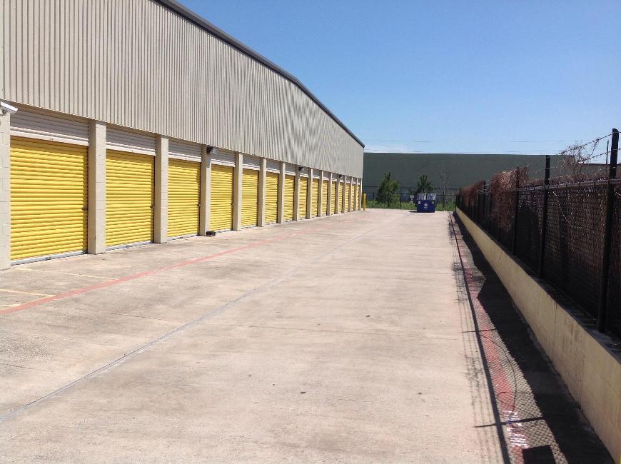 Life storage in houston tx near spring rent storage for Storage 77080