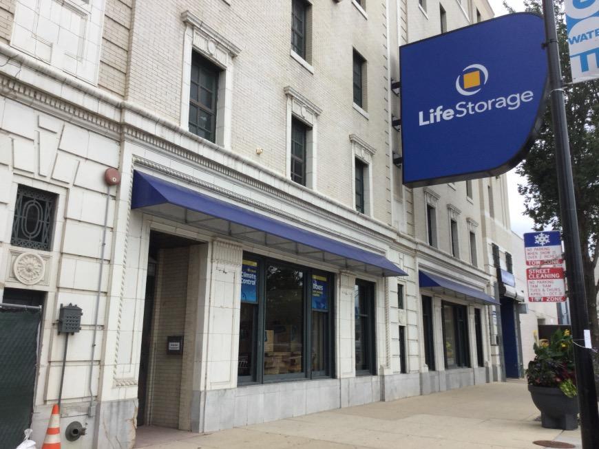 Filter Results. Storage Units & Storage Units at 6331 North Broadway St - Chicago - Life Storage #818