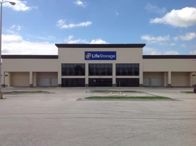 Exterior image of facility at 5615 E Bannister Rd, Kansas City, MO 64137